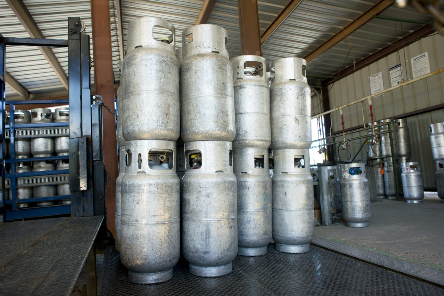 Commercial propane tank exchange and new tank delivery service
